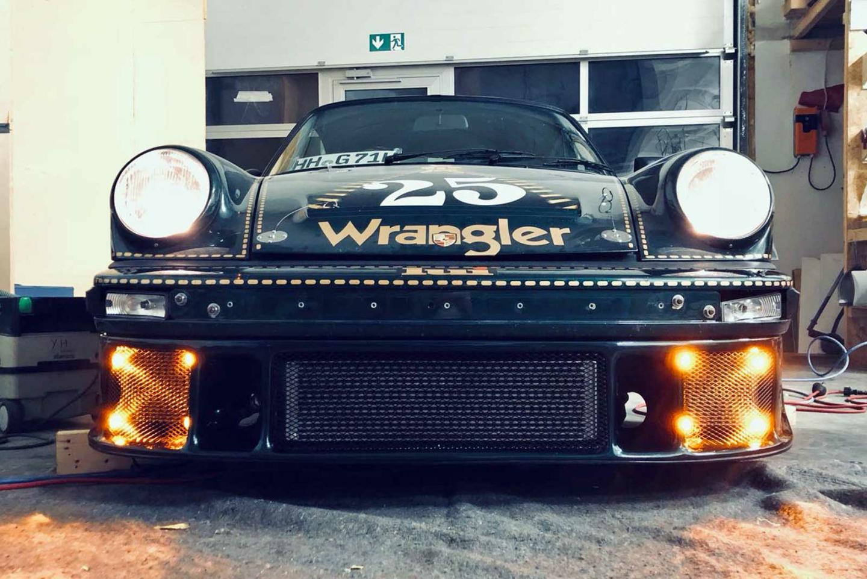 """Porsche 911 """"Wrangler"""" Theme"""